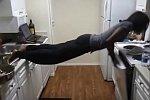 Planking in der Küche geht schief
