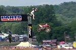 Spektakulärer Unfall beim Motocross