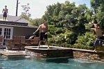Körbe werfen am Pool