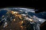 Weltraumflug über die Erde