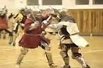 Kampf in Ritterrüstung
