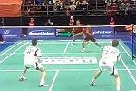 Verrückter Ballwechsel beim Badminton