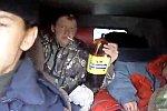 Vier Russen machen eine Ausfahrt