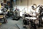 Roboterband spielt Ace of Spades
