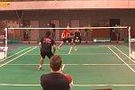 Ballwechsel beim Badminton