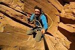 Sprung in eine Felsschlucht