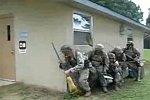 US-Soldaten beim Putzdienst
