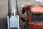 Paar klaut Benzin