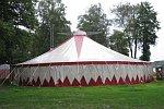 Ein Zirkuszelt