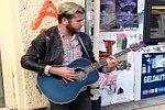 Straßenmusiker bekommt Unterstützung