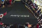 Mountainbike-Downhill im Einkaufszentrum