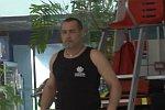 Remi Gaillard im Schwimmbad