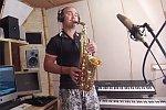 Wake Me Up auf einem Saxophon