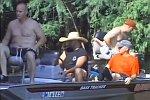 Ein Bootsfahrt, die ist lustig