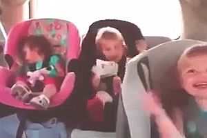 Baby erwacht bei Electromukke