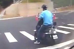 Moped-Fahrer locht ein