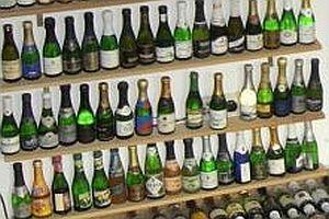 Sammlung von Piccolo-Sektflaschen