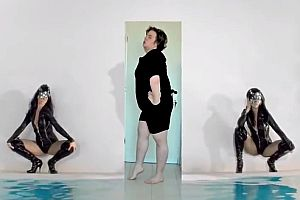 Work Bitch Musikvideo Remake