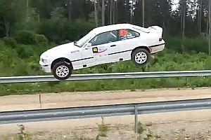 50 Meter Sprung mit einem BMW