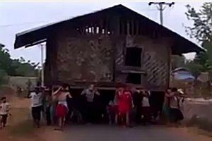 Ein Haus zeiht um