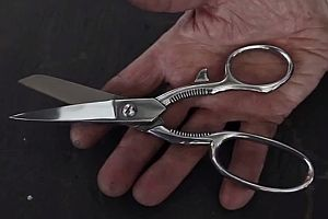Scheren in Handarbeit