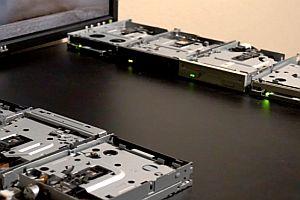 Sandstorm mit Diskettenlaufwerken