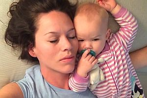 Baby lässt Mama nicht schlafen