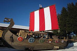 Wikingerschiff als Karnevalswagen