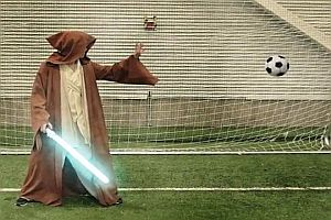 Superhelden spielen Fußball