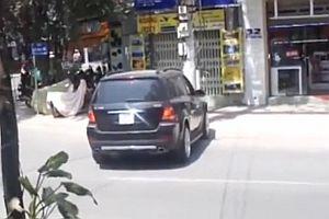Ausparken im vietnamesisch Verkehrschaos