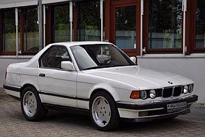 Kurzer 7er BMW