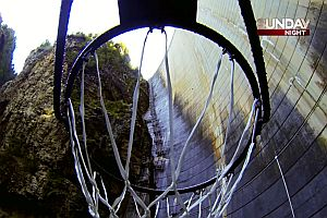 Weltrekordwurf in einen Basketballkorb