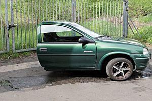 Halber Opel wegen Scheidung