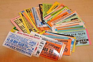 200 Karten von Autoverkäufern