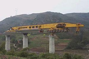Brückenbaumaschine