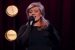 Adele als ihre eigene Doppelgängerin