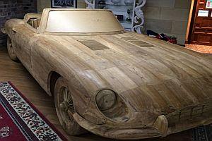 Jaguar aus Holz