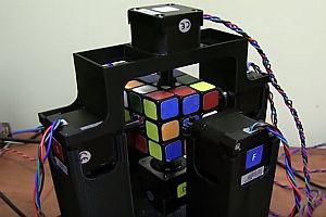 Robotor löst Zauberwürfel in Rekordzeit