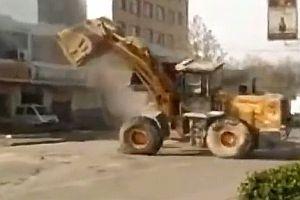 Kampf zwischen Baggerfahrern