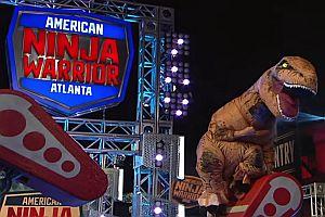 T-Rex beim American Ninja Warrior