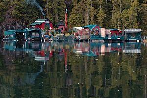 Wohninsel auf einem See