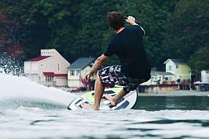 Surfen mit einer Drohne