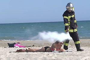 Remi Gaillard als Feuerwehrmann