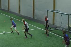 Fußballspiel mit Betrunkenen