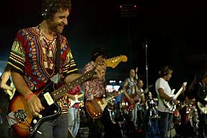 1000 Musiker spielen Nirvana Song