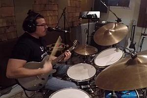 Einmannband im Studio