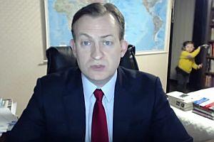 Kind unterbricht BBC-Interview