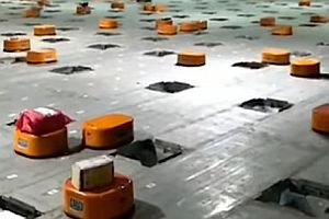 Roboter sortieren vollautomatisch Pakete