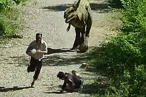 Remi Gaillard mit einem T-Rex