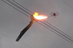 Drohne mit Flammenwerfer